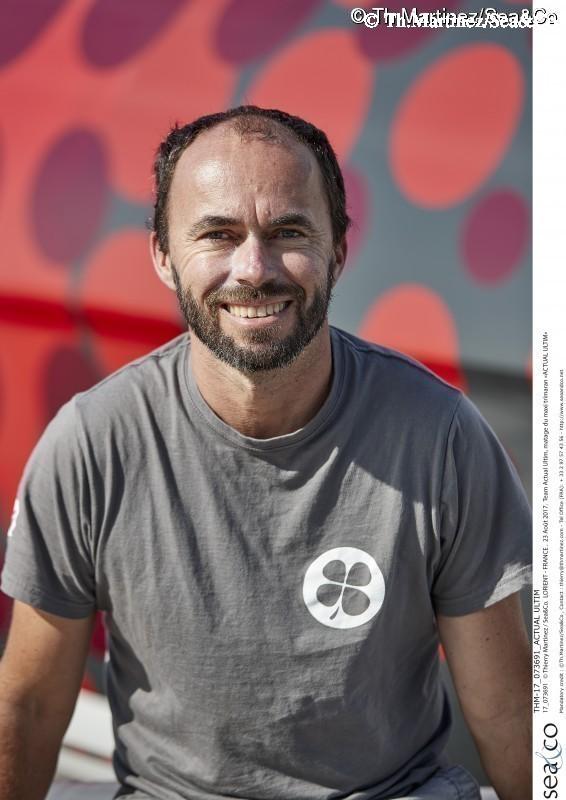 THM-17_073691_ACTUAL ULTIM : 17_073691 © Thierry Martinez / Sea&Co. LORIENT - FRANCE . 23 Août 2017. Team Actual Ultim, matage du maxi trimaran
