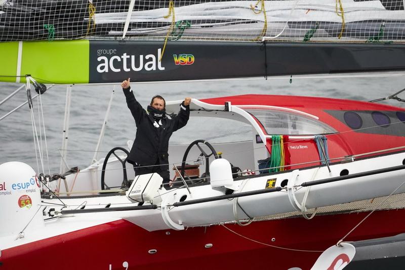 Ultim ACTUAL - Skipper : Yves le Blevec - D�part de la tentative de record du tour du monde � la voile en solitaire � l'envers (d'Est en Ouest) - La Trinit� sur Mer le 4 novembre 2017 © Beno&#238t Stichelbaut